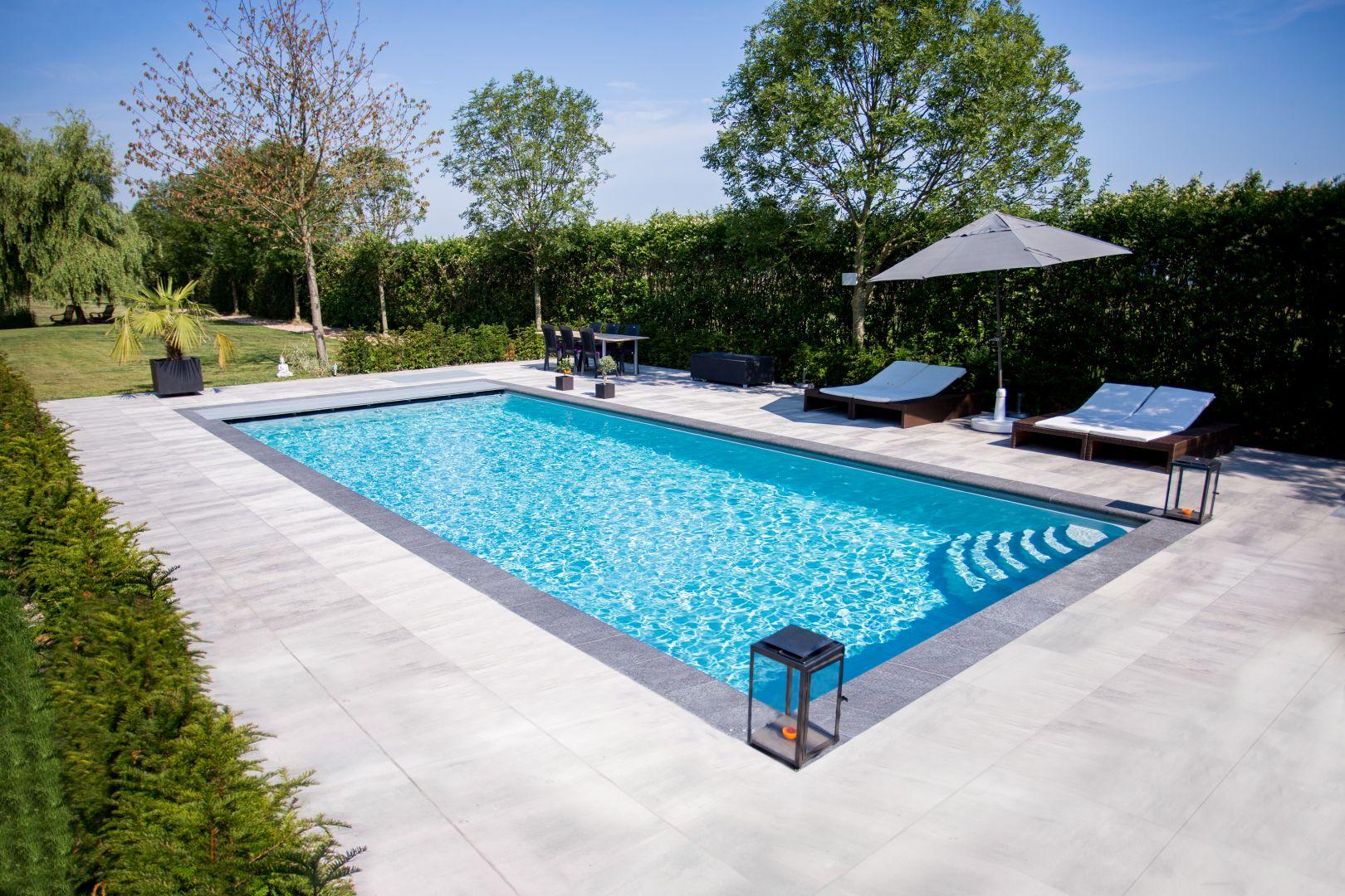 Monoblok of betonnen zwembad lpw ceramic pools for Zwembaden verkoop