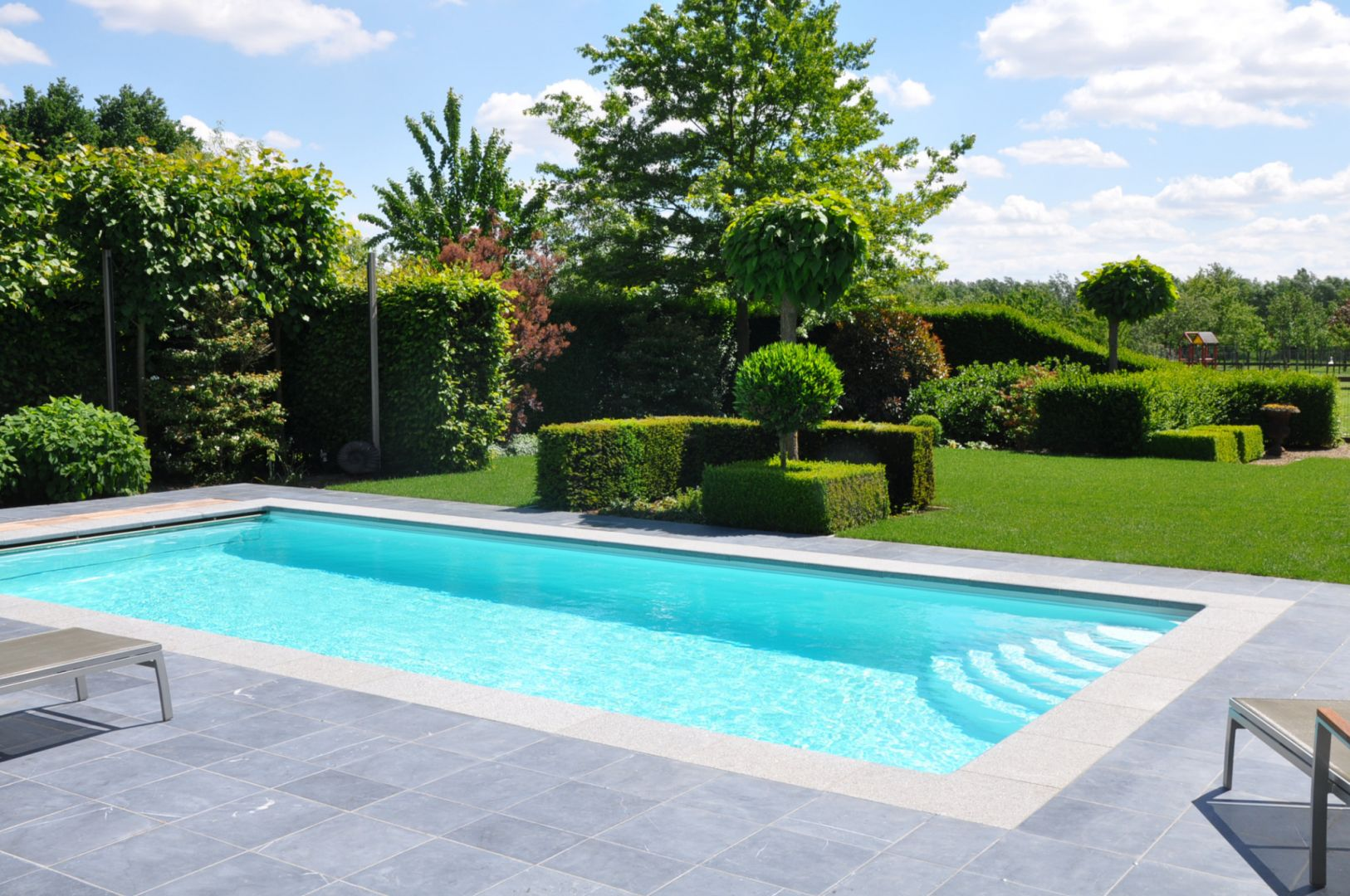 Neem contact met ons op lpw ceramic pools for Zwembad polyester